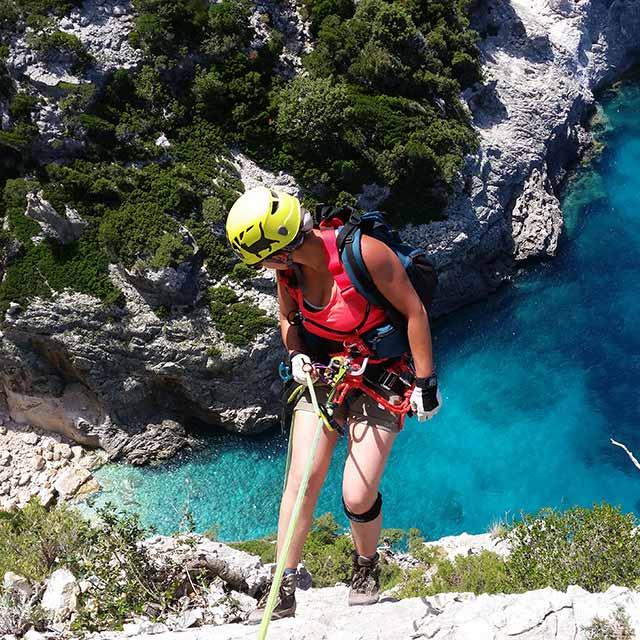 Trekking e calate in corda Sardegna